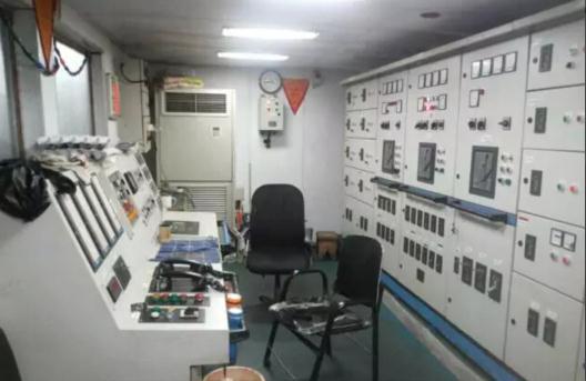 """宁波海事法院关于""""海之星802,805""""拍卖公告(附勘验船照)"""