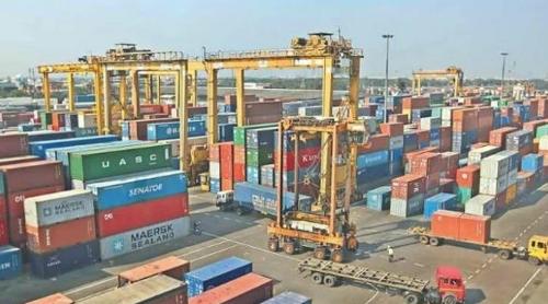 吉大港拍賣處理7000多個集裝箱貨物,以減輕港口堆場壓力